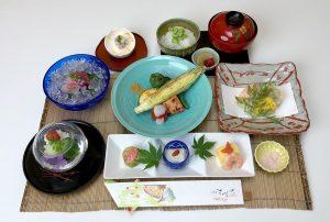 季節の野菜を使った【昼懐石】